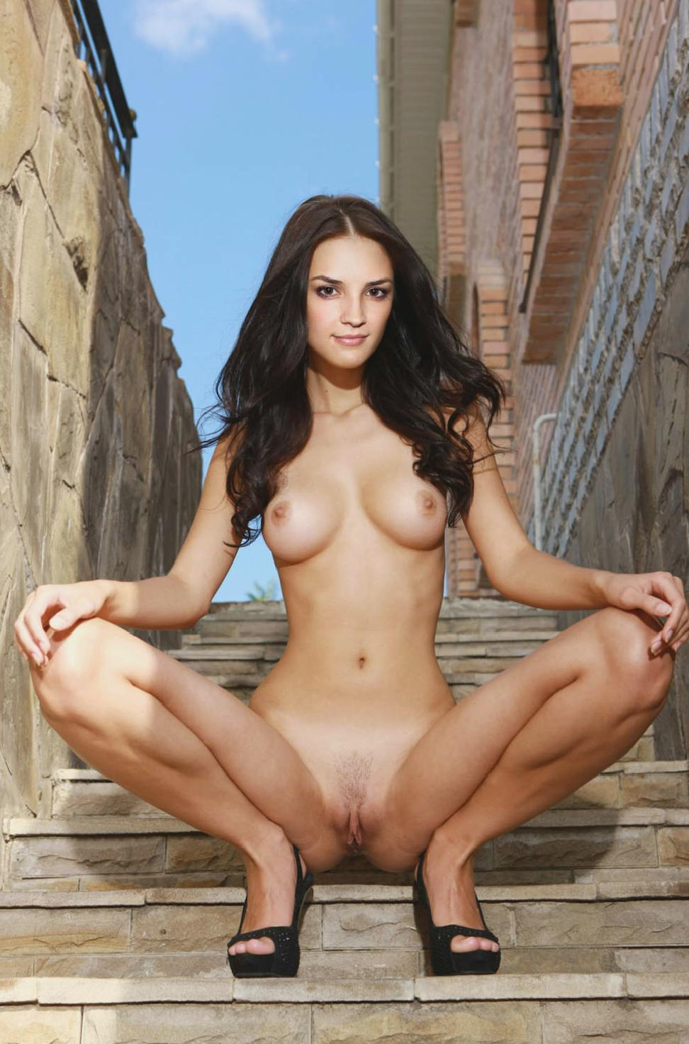 Naked Photographs Rachael Leigh Cook